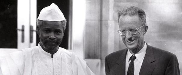 foto De Tsjadische president Hissène Habré in 1987 op officieel bezoek bij koning Boudewijn in het koninklijk paleis in Brussel (Paleis Brussel)