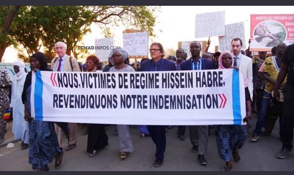 foto Slachtoffers Habré eisen herstelbetalingen in betoging N'Djamena (FocusOnAfrica.org)