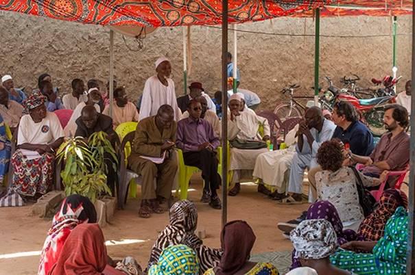 foto vergadering slachtoffers en nabestaanden in N'Djamena 2015 (ICTJ Alfredo Cadiz)